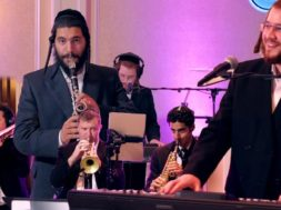 Duet with famous clarinet player Avrum Balty A Berko Production